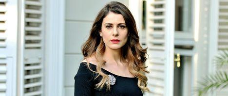 Dilara (Ebru Ozkan - Horváth Lili)
