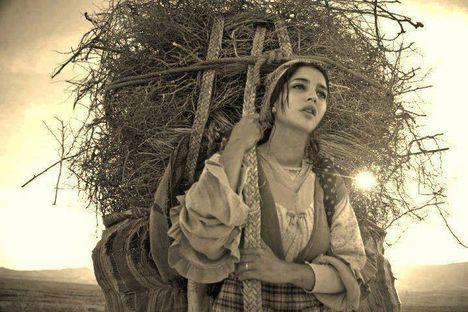 Emily Dickinson: MEGMÉREK MINDEN BÁNATOT
