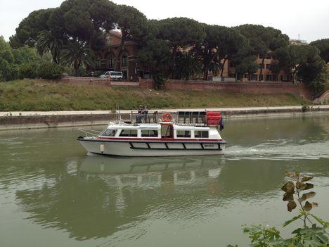 Tevere traghetto5