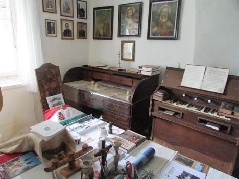 régi parókián berendezett egyházi gyűjtemény