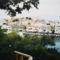 Agios Nikolaos, a tó túlpartjáról nézve