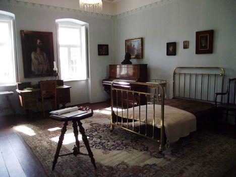 Gárdonyi Géza háló szoba