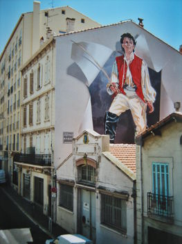 Gérard Philipe-festmény egy tűzfalon, Cannes