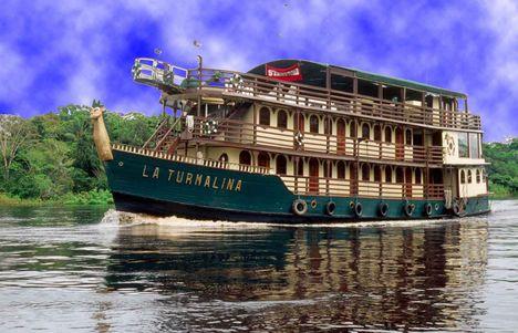 PER-La-Turmalina hajó, az Amazonason
