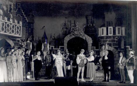 BÁRDOS ANNA  a Bob hercegben  Fülöp Zsigmond, Takács Margit, Szabó Samu társaságában
