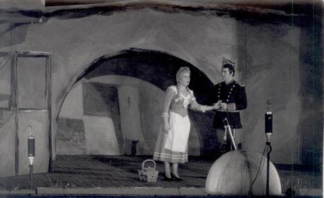 BÁRDOS ANNA  Micaela  (Carmen) Simándy Józseffel
