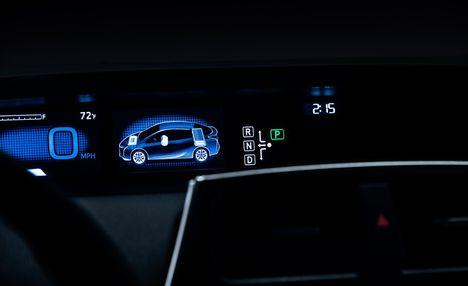 2016-Toyota-Prius-128-876x535
