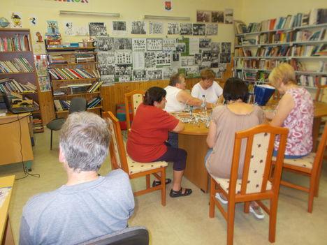 A könyvtárban 2