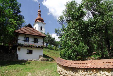 Jósvafő Ófalu főtér Kisház