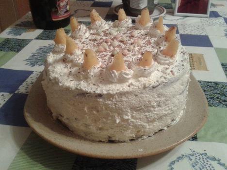 Gluténmentes Ünnepi torta