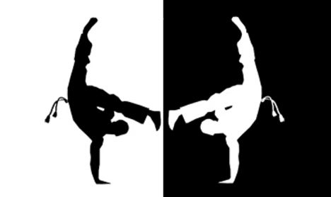 Capoeira_by_roboticdesign