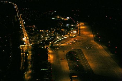 reptér éjjel