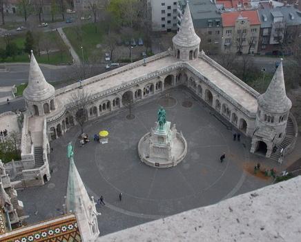 A Mátyás templom tornyából a Halász bástya