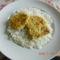 Hétsajtos csírkemel főtt rizsel.