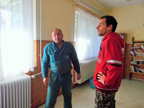 Apa és fia: Viktorok.