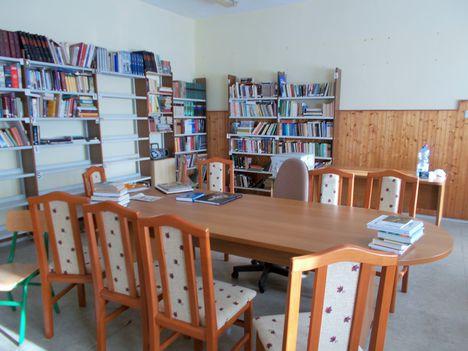 könyvtárfelújítás 13