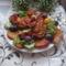 Csirke flsőcomb burgonyával és gyümölcsökkel