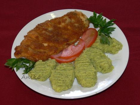 Magvas rántotthús zelleres krumplipürével