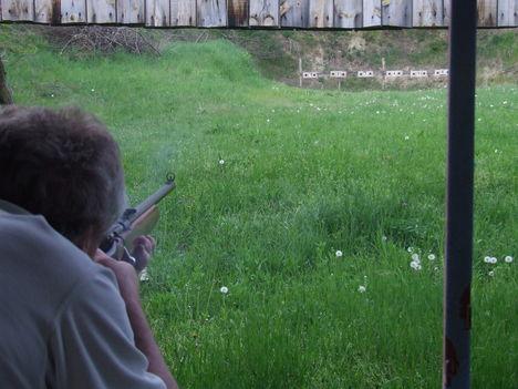 Öregfiúk lövészeten 7