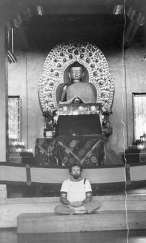 A Dalai Láma Szertartástermében -Dharamszála