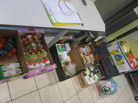 adomány, gyűjtés ,osztás. 5
