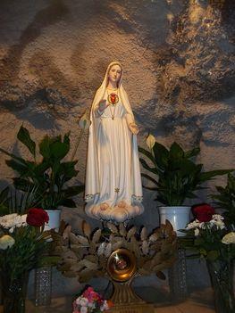 Szent Szűz a Sziklakápolnában
