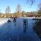 Befagyott a Vár-tó a gyerekek nagy örömére, Mosonmagyaróvár 2017. január 07