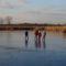 Befagyott a Holt-Duna, a gyerekek nagy örömére korcsolyapályává változott, Lipót 2017. január 07.-én  1
