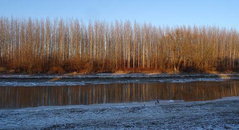 Jeges állapotok a Mosoni-Duna Mecsér község belterülete melletti szakaszán, 2017. január 11.-én 7