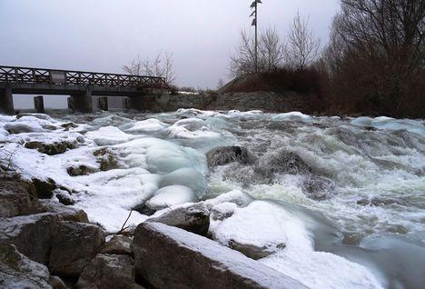A Denkpáli megcsapoló műtárgyon kivezetett víz, Dunasziget 2017 január 31 (5)