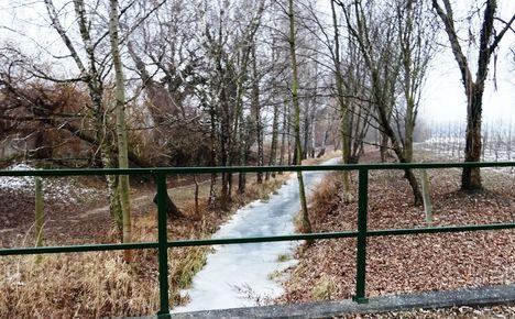 Hidegkúti (Hédervár-Darnózseli) csatorna a Kont fa mellett, Hédervár 2017. január 31.-én 2