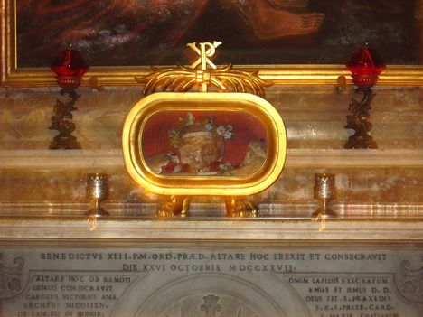 Szent Valentin koponyája