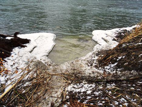 Jeges viszonyok a Mosói Duna-ág partjainál, Dunaremete 2017. február 02.-án 1