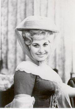 Erdész Zsuzsa   Mozart: Szöktetés ... - Blonde