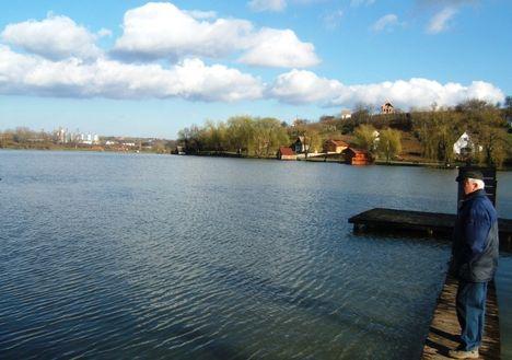 Horgász  tó 001