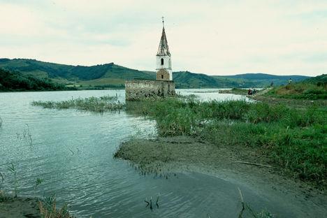 Szovátától mintegy 30 kilométerre található Bözödújfalu - a víztározót javítás miatt leeresztik (MTI Fotó, Kovács Tamás)