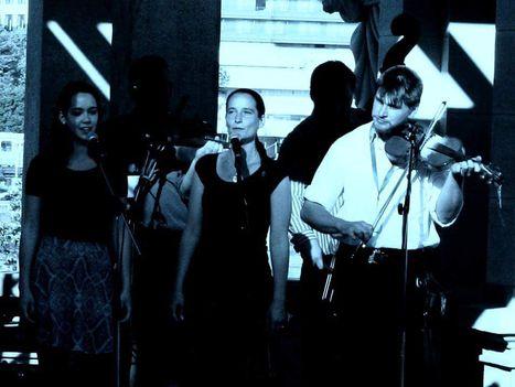 Eszterlánc zenekar - Navratil Andrea