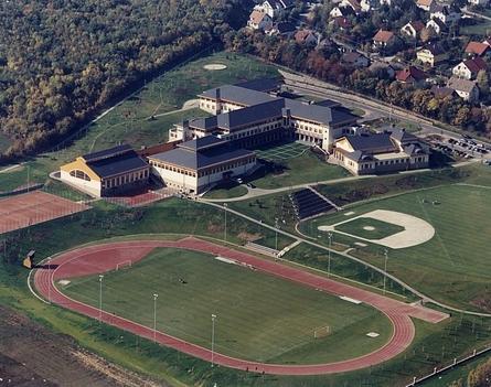 Amerikai iskola Nagykovácsin