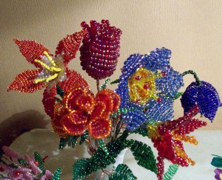 gyöngyből virág 70