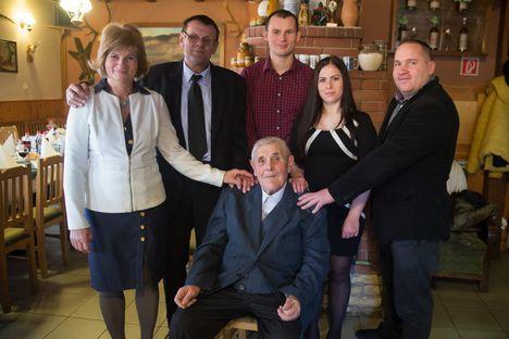 Máté Gyula bácsi 90 éves