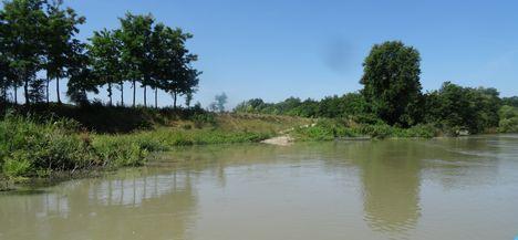 Sója pálya a Mosoni-Dunán, Feketeerdő község külterületén,  2016. július 19.-én 1