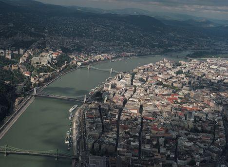 Légifotó sétarepülés folyamán: Budapest panoráma