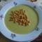 Brokkoli krémleves leves gyöngyel .