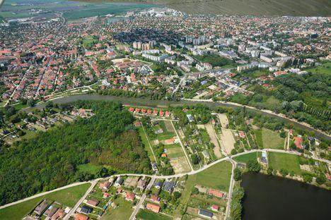 A Mosoni-Duna, Máriakálnok Malom dülő, és Mosonmagyaróvár légi-felvételen 2017.május 10.-én