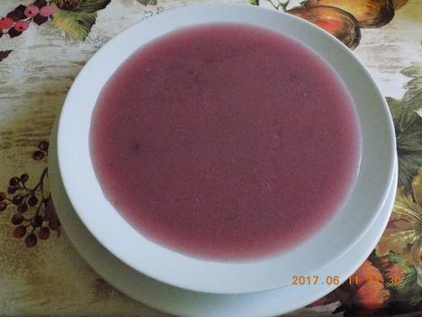 Cseresznye , megy leves Friss gyümölcsből