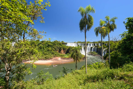 National parkIguassu view of iguazu waterfall Argentina-01
