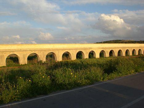 2000 éves,rómaikori vizvezeték.