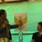 Mangasi Sihombing az indonéz címer képeit magyarázza