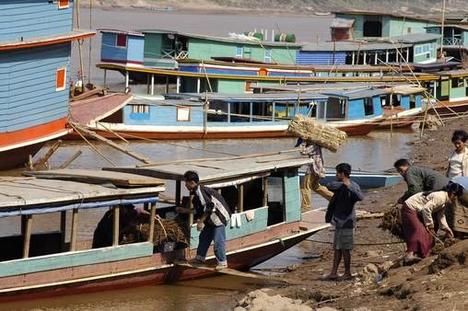 vízi közlekedés a Mekongon