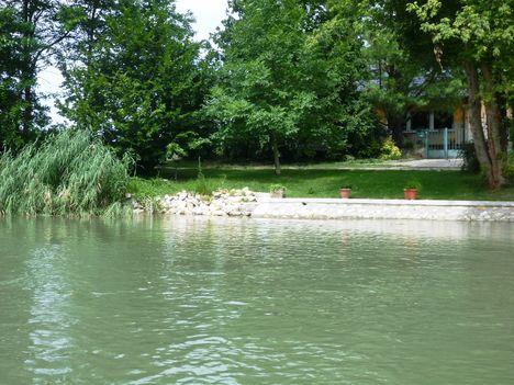 A Mosoni-Duna folyó belterületi partrendezés Halászinál, 2017. július 25.-én  14